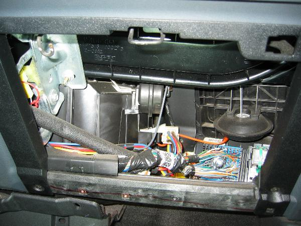 Behindglovebox X on 2000 Chevy Blazer Radio Wiring Diagram